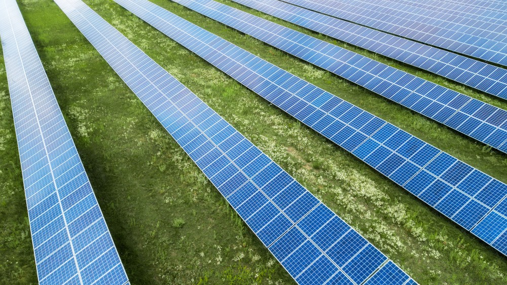 The Pros and Cons of Community Solar Farms